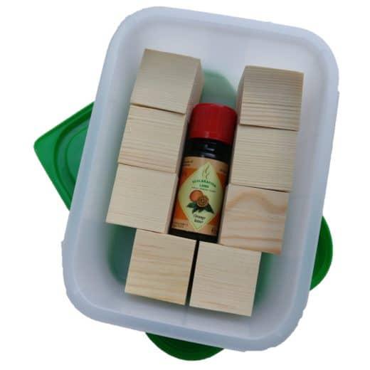Starter Kit 'Duftholz selber machen' mit Holzwürfel